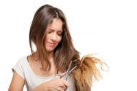 Как узнать причину ломкости волос и восстановить их структуру