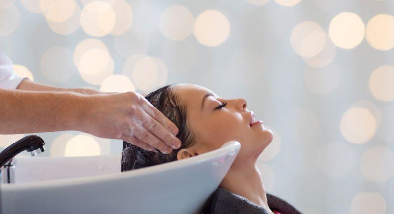 Уход за волосами с помощью масок и масел