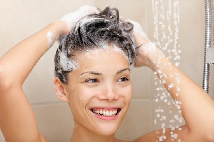 Шампунь от сухой перхоти - это спасение для ваших волос!