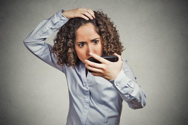 Женская алопеция: внутренние и внешние причины возникновения
