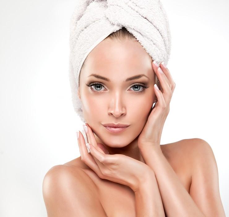 Витамин В12 в ампулах для восстановления безжизненных волос