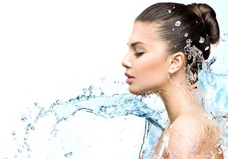 Как ухаживать за жирными волосами в домашних условиях?