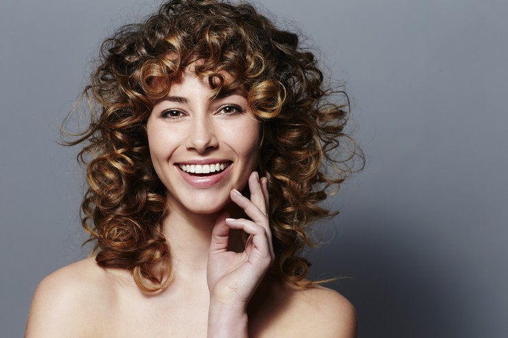 Особенности окрашивания волос во время беременности