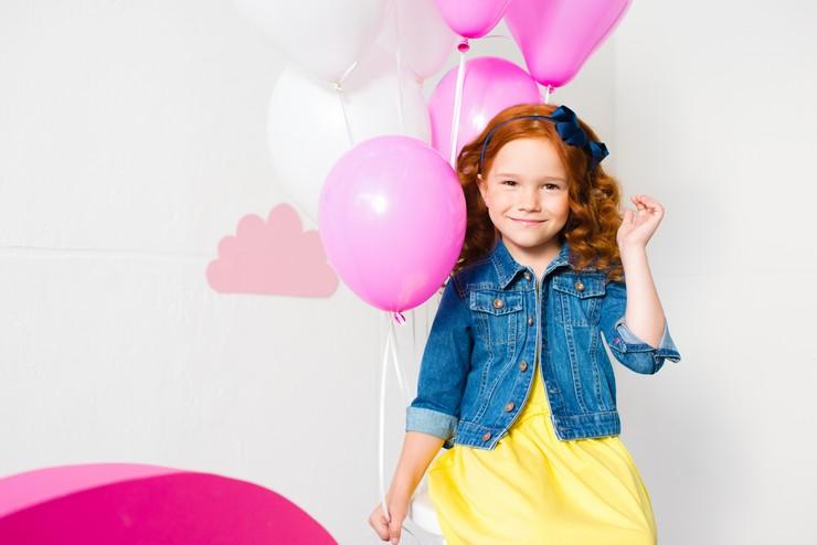 Безопасное окрашивание волос детям: когда и чем красить?