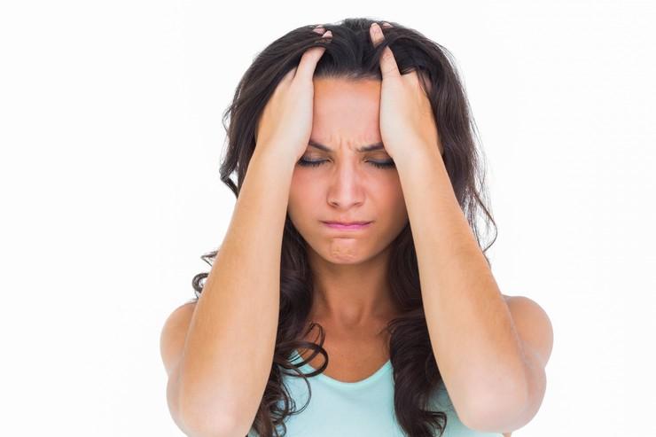 Причины возникновения и методы лечения зуда головы и перхоти