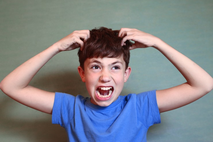 Перхоть у ребенка 10 лет причины и лечение комаровский