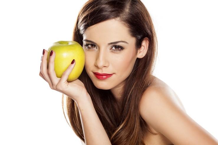 Яблочно-молочная маска для питания и укрепления волос