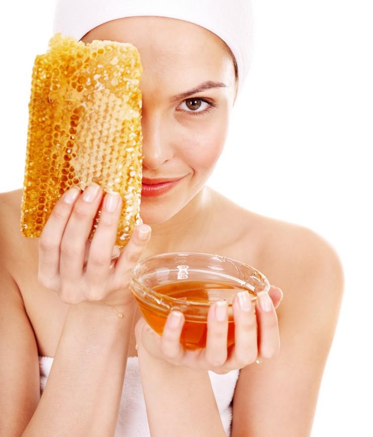 Локоны как после салона с маской из оливкового масла, меда и желтка