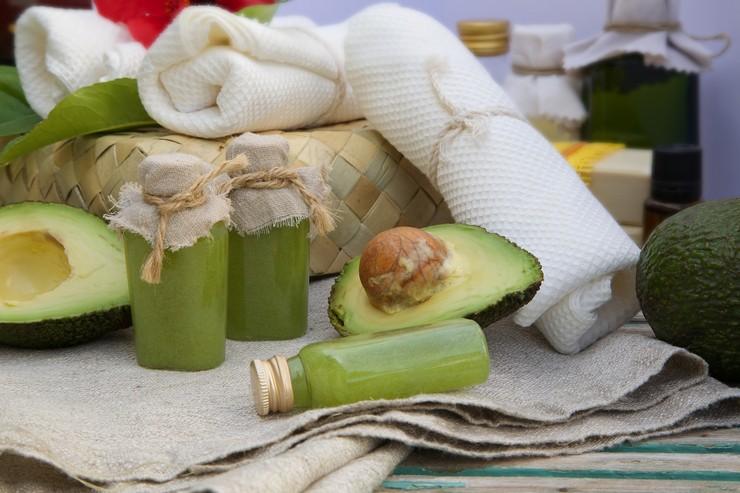 Маска с авокадо – экзотическая «еда» для ваших волос