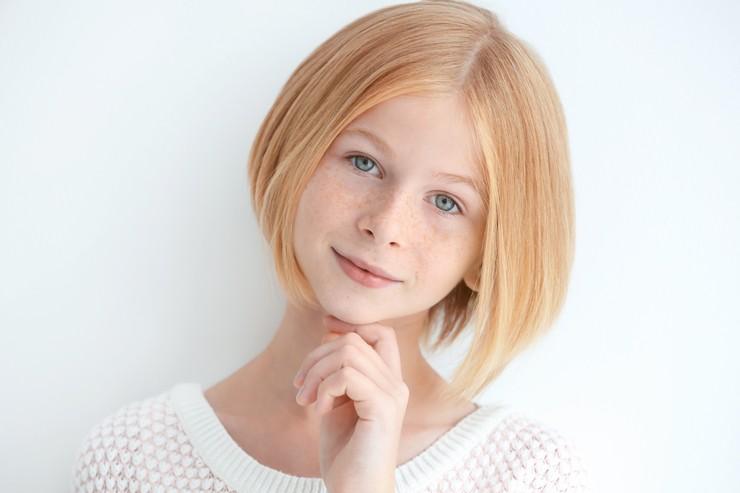 маленькая девочка с каре