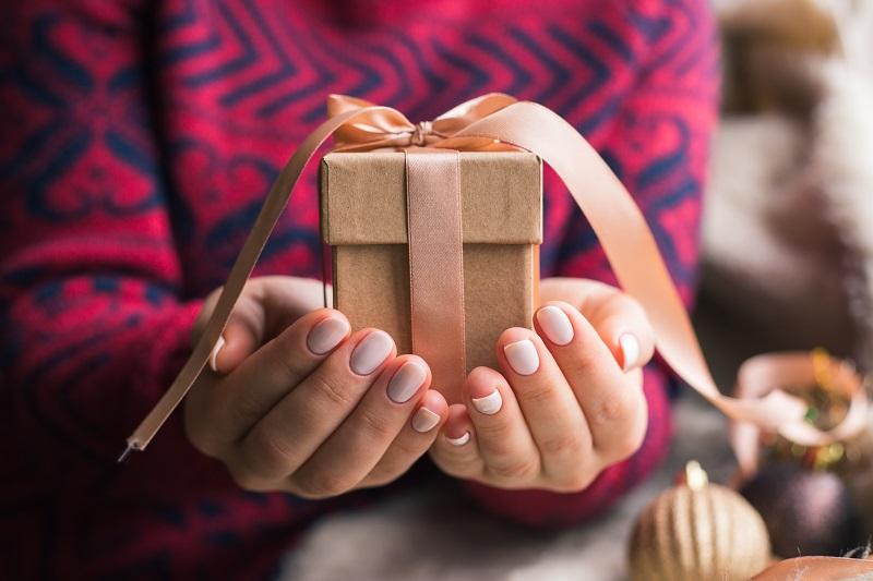 Радуем своих избранников: топ-3 подарков на месяц, полгода и год отношений