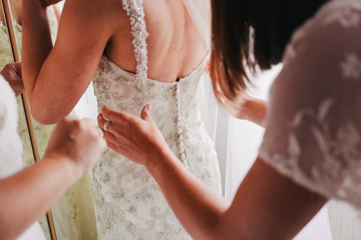 Свадебное плате в греческом стиле