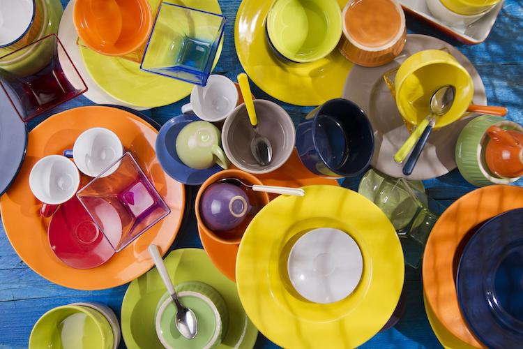 горы посуды