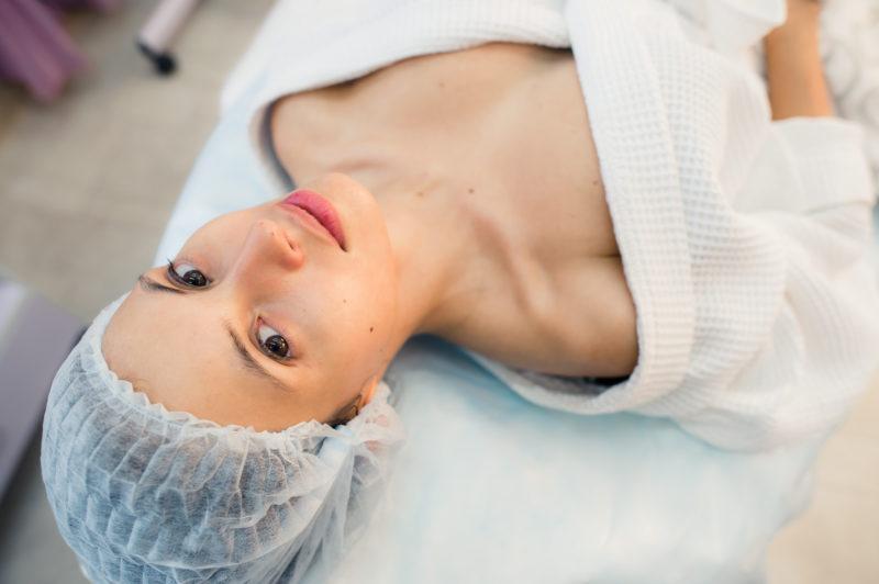 Под нож пластического хирурга в 19 лет - желание или необходимость?