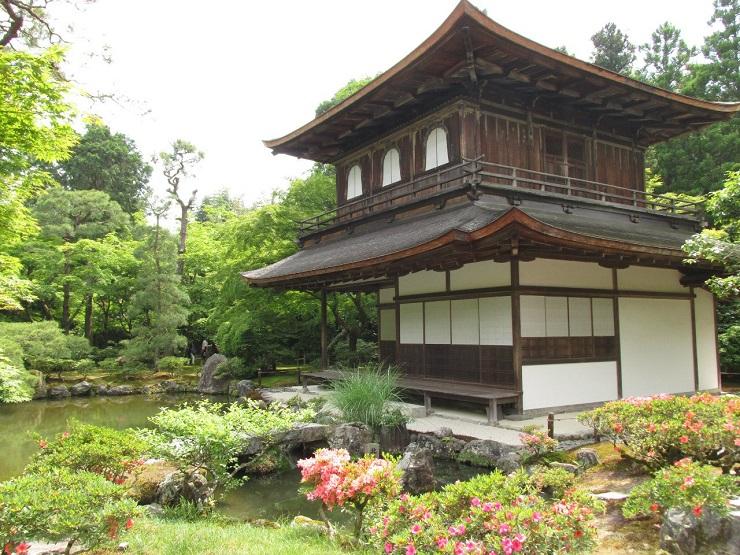 домик в традиционном стиле